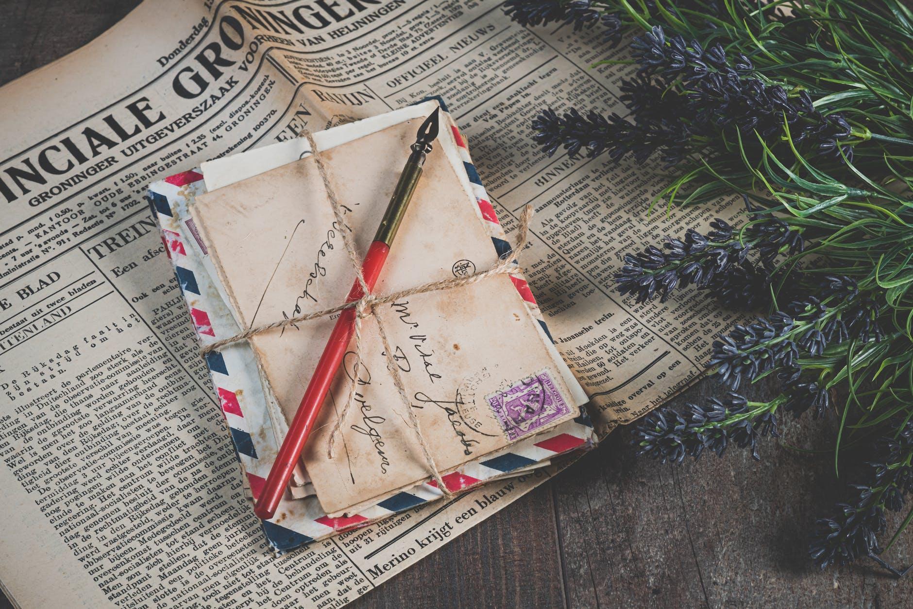 ajándék csomagolási ötletek kreatív újságpapír